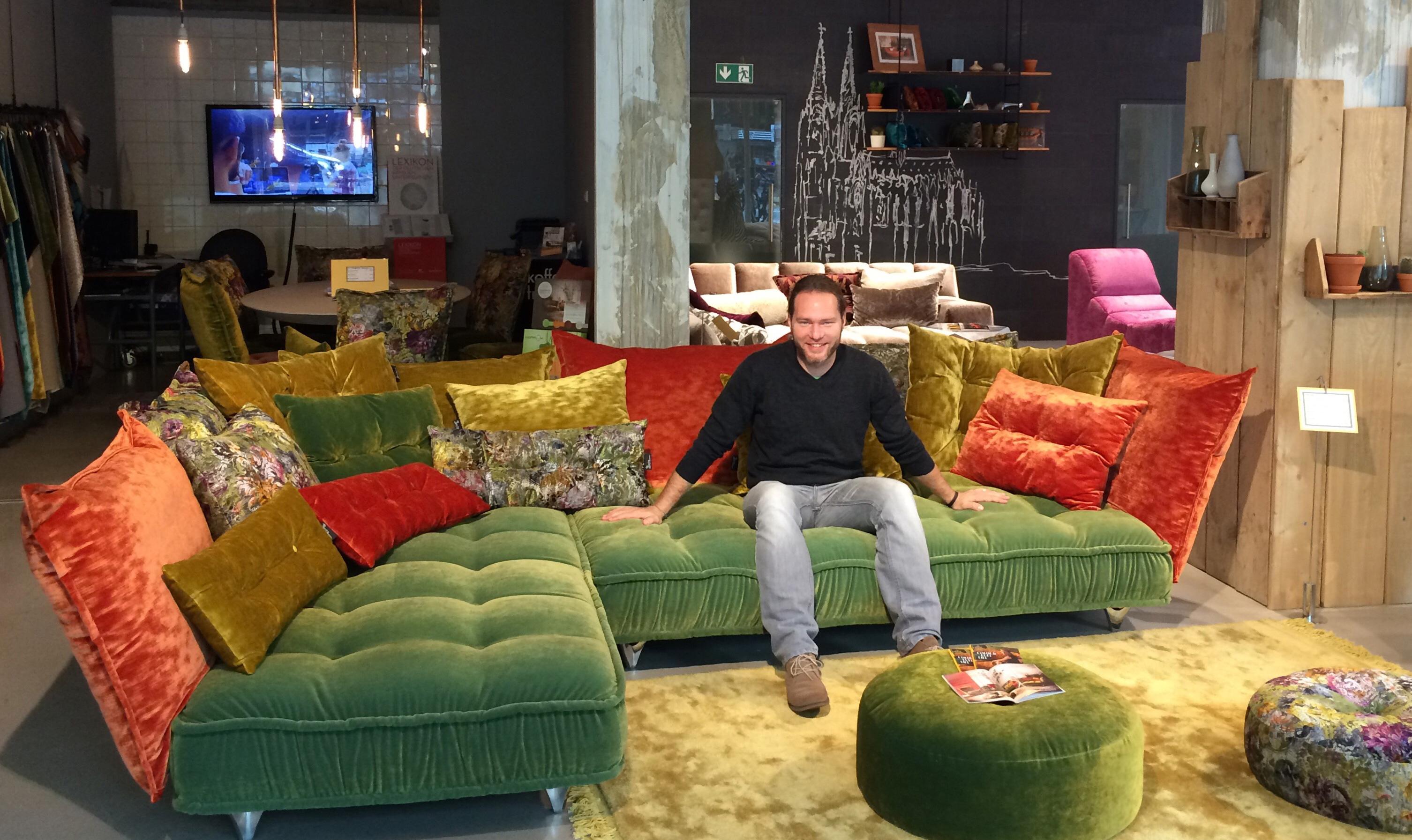 bretz store k ln sofa ohlinda bretz. Black Bedroom Furniture Sets. Home Design Ideas