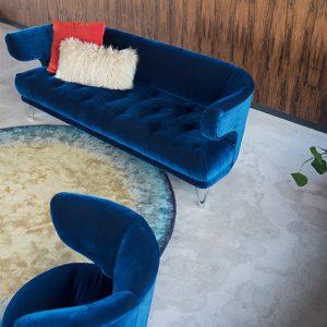 Bretz-Designsofa-Croissant-Yves-Klein-Blau-Ansicht von oben
